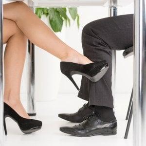 Innamorarsi in ufficio? Aumenta la produttività