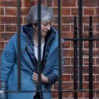 Brexit, May sconfitta ancora. E Corbyn tratta con Bruxelles