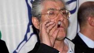 """Umberto Bossi in rianimazione, oggi nuovi esami. Il figlio Renzo: """"Mio padre è sempre un guerriero"""""""