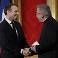 """L' """"ambasciatore"""" del Vaticano in Francia è accusato di molestie sessuali"""
