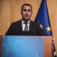Europee, Di Maio frena sui gilet gialli e presenta 4 partner per il voto. A Roma torna...