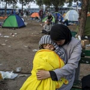 Ungheria, salvati in extremis dalla fame due irakeni prigionieri e senza cibo in un campo profughi