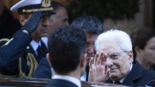 Mattarella concede la grazia a due pensionati che uccisero le mogli malate di Alzheimer