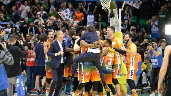 Basket, Coppa Italia: Sassari e Brindisi in semifinale, partenza super di Pozzecco