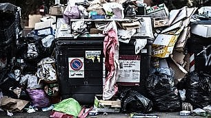 Inchiesta: perché Roma è sommersa dai rifiuti