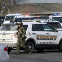 Usa, dipendente di un'azienda dell'Illinois spara ai colleghi: cinque morti e decine di...