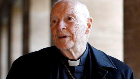 Pedofilia, l'ex arcivescovo McCarrick ridotto a stato laicale