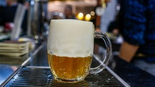 Consumi, la birra infrange il muro del miliardo in Italia