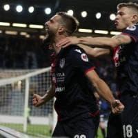 Cagliari-Parma 2-1, Pavoletti trascina i sardi