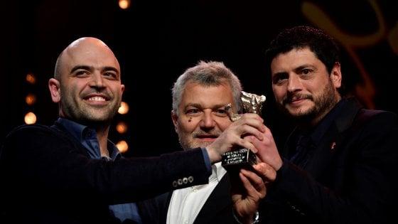 """Berlinale, 'La paranza' Orso d'argento alla sceneggiatura. Saviano: """"Dedico il premio alle ong che salvano migranti"""""""