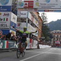 Ciclismo, Trofeo Laigueglia: trionfo solitario di Velasco