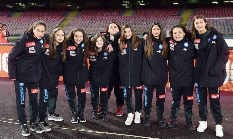 Napoli-Torino, San Paolo a tinte rosa: solo ragazze come raccattapalle