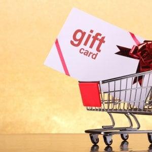 Il far-west delle carte regalo: cosa bisogna sapere prima di comprarle