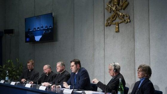Vaticano, regole segrete per i sacerdoti padri