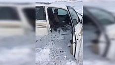 Paura sul lago ghiacciato: la crosta si rompe e l'auto finisce nell'acqua