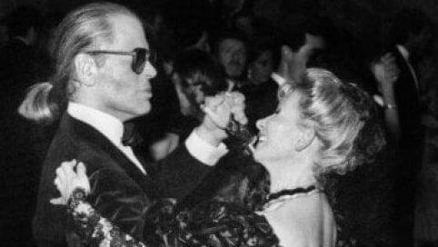 """Anna Fendi e quel valzer con Karl Lagerfeld: """"Era talmente all'avanguardia che avevamo paura fosse troppo avanti"""""""