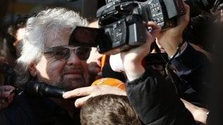 """Beppe Grillo: """"Ora siamo al governo, impegniamoci in silenzio. E basta dare le colpe agli altri"""""""
