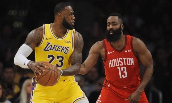 Basket Nba: Golden State e Milwaukee ripartono di slancio, LeBron James spinge i Lakers