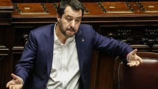 Bari, Salvini al comizio con limprenditore che uccise rapinatore: i genitori della vittima querelano il ministro