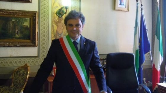 Rovigo, i consiglieri si dimettono in massa. Cade il sindaco leghista Bergamin