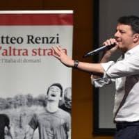 """Pd, Renzi al Lingotto riprende il tour: """"Noi siamo quelli che restano e non mollano mai"""""""