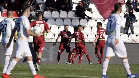 Serie B, il Brescia consolida il primato. Pescara terzo, Cittadella travolge Lecce