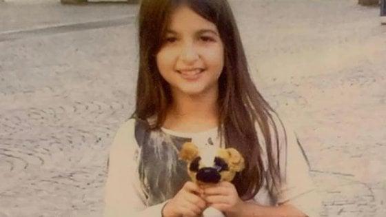 """Bimba di 10 anni muore per un tumore. Il dolore della madre: """"Niente funerale, non credo più: ha sofferto troppo"""""""