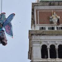 Venezia. Via al primo Carnevale a numero chiuso. Tornelli per il volo dell'angelo
