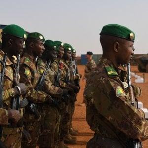 Attacco suicida alla base militare dell'Unione europea in Mali: morti gli assalitori, tre feriti