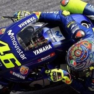Motogp, test Losail: Riins il più veloce davanti a Vinales. Petrucci è quarto, Rossi molto indietro