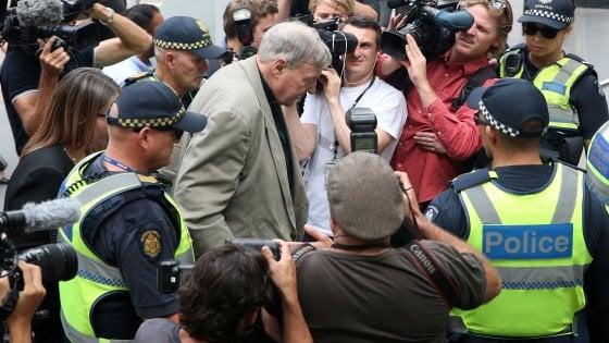 Pedofilia, condannato in Australia il cardinale Pell: rischia 50 anni di carcere