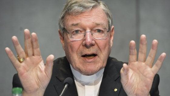 Chi è George Pell, il cardinale numero tre del Vaticano condannato per pedofilia