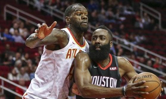 Basket, Nba: Lakers ko e playoff sempre più lontani. Golden State ok, finisce la striscia di Harden