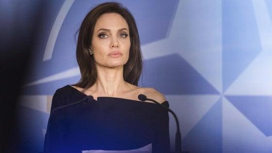 Gene Jolie, l'Inps: invalidità per mastectomia preventiva