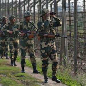 """L'India attacca i militanti separatisti in territorio pachistano. Islamabad: """"Risponderemo"""""""