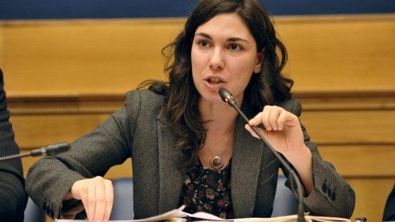 """M5s, la Rimborsopoli travolge Giulia Sarti. Le chat col fidanzato la incastrano: """"Ilaria e Rocco mi dicono di denunciarti"""""""
