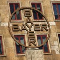 Bayer, utile in calo con l'acquisto di Monsanto. Negli Usa 11.200 cause sul glifosato