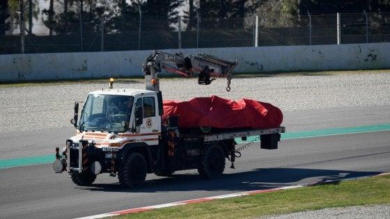 F1, test Montmelò; fuori pista per la Ferrari di Vettel: Non sappiamo cosa è successo