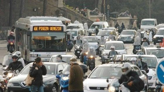 Nuovo Codice strada: tutela ciclisti e sanzioni più severe per guida pericolosa