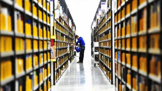 Usa, polemiche per libri e film no vax su Amazon
