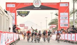 Ciclismo, UAE Tour: volata d'autore di Viviani. Battuti Gaviria e Kittel
