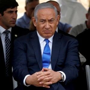 Israele, Netanyahu sarà incriminato per corruzione