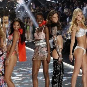 Victoria's Secret perde appeal: chiusi 53 negozi nel mondo