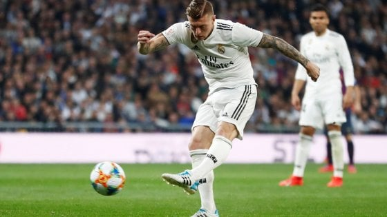 Real Madrid: critiche a Kroos e Casemiro, esonerato tecnico giovanili