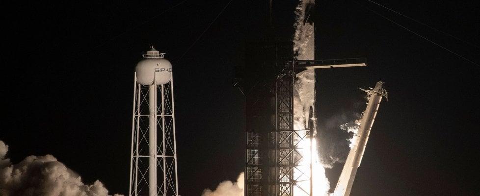 Space X, il successore dello Shuttle vola verso la Iss. L'America torna a sognare