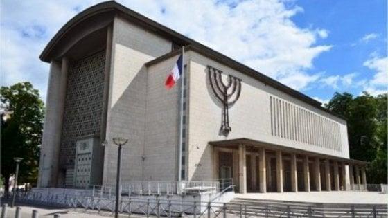 ++ Strasburgo, profanata stele sinagoga ++