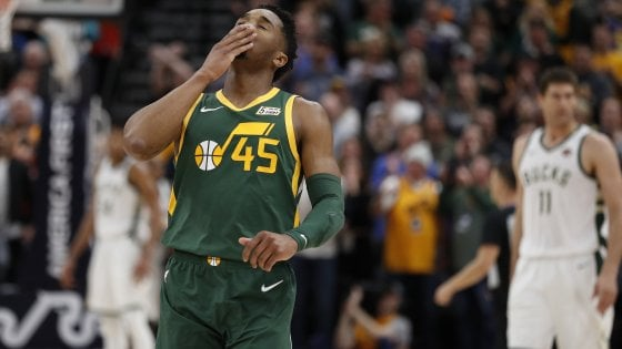 Basket, Nba: Mitchell stende i Bucks, disastro Lakers contro i Suns