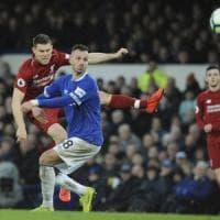 Inghilterra, pari nel derby di Liverpool: il City al comando. Higuain e Jorginho restituiscono il sorriso a Sarri