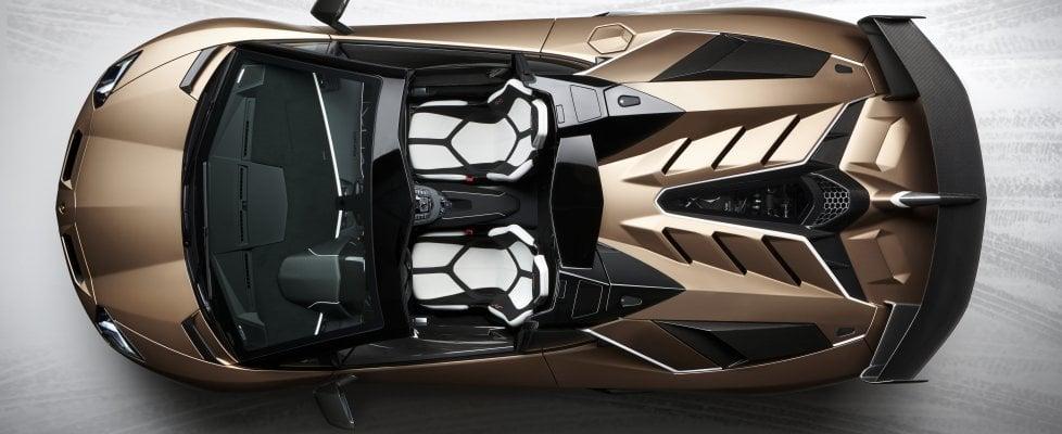 Lamborghini Aventador SVJ Roadster, giù il cappello