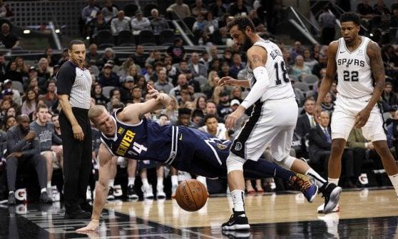 Basket, Nba: Gallinari oscura LeBron James, è dei Clippers il derby di Los Angeles